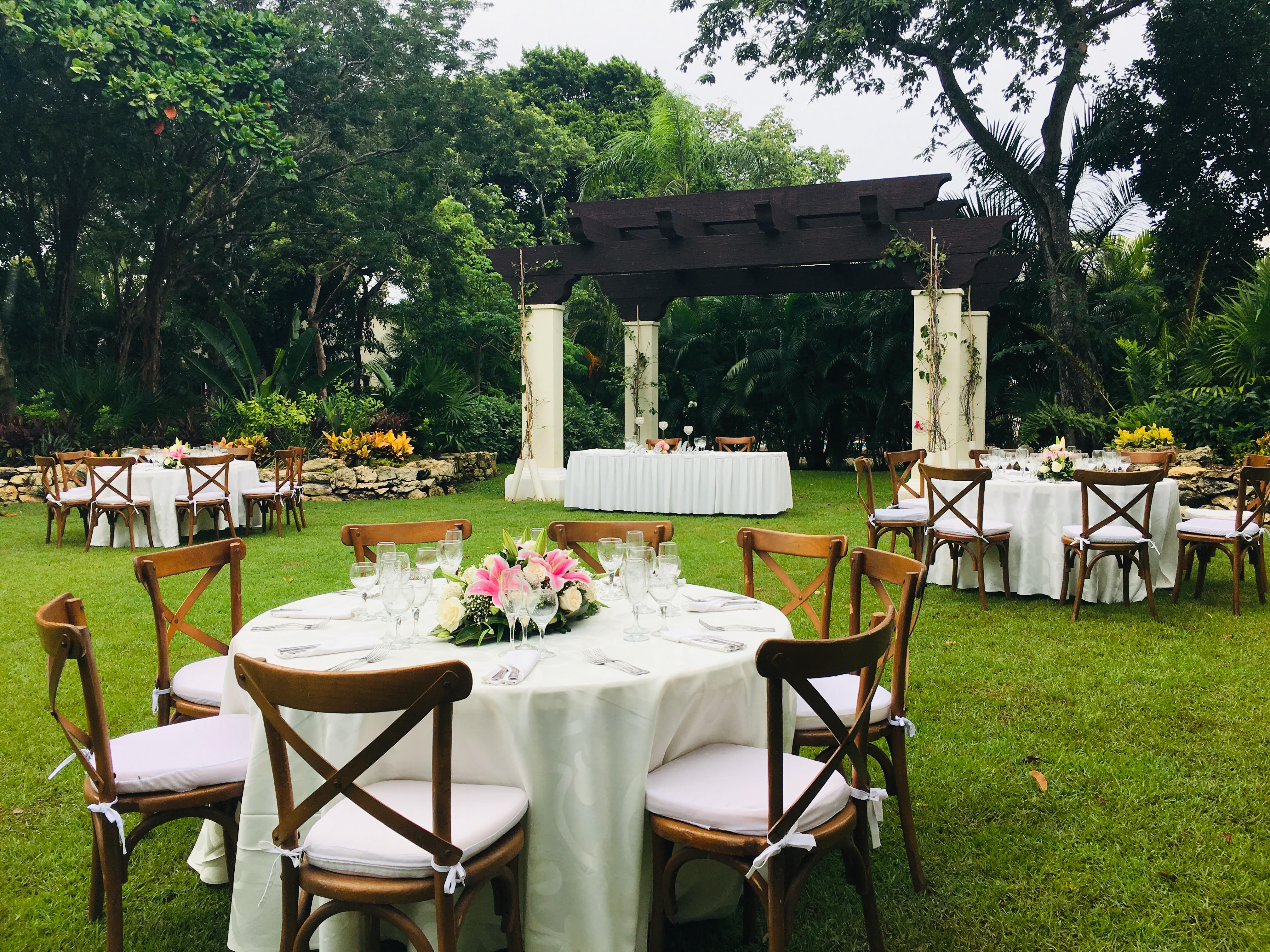 Sandos Wedding Setup